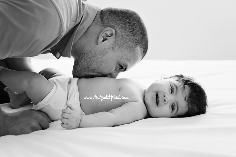 bious-sur-le-ventre-papa-bebe.jpg