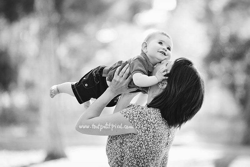 bebe-maman-bisou-tendresse.jpg