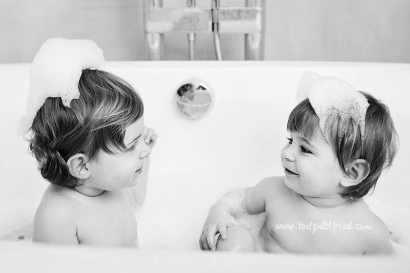 jumelles-dans-le-bain.jpg