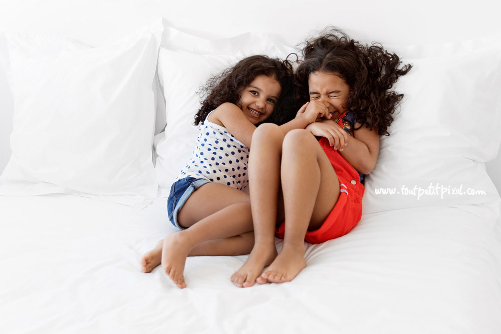 photo-soeurs-rire.jpg