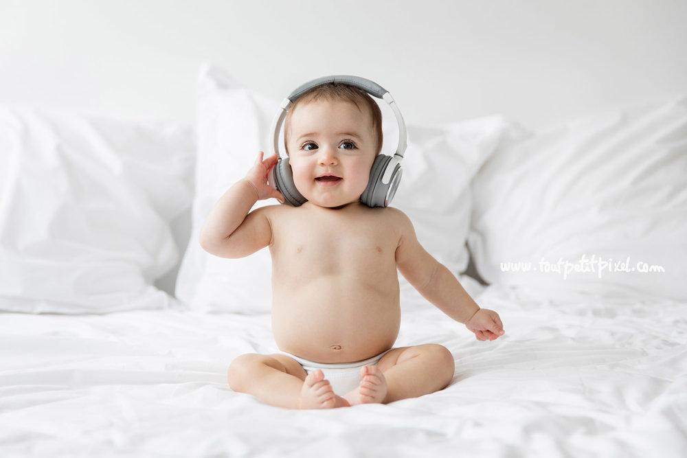 bebe-qui-ecoute-de-la-musique.jpg