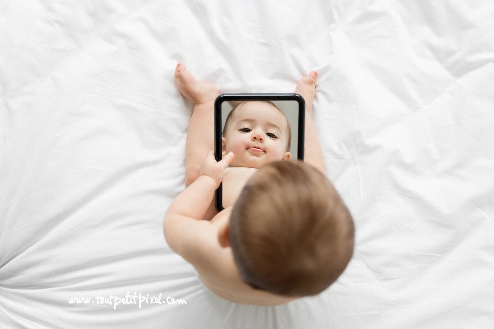 photo-bebe-miroir.jpg