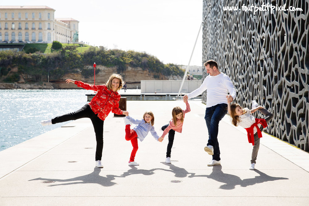 photo-famille-mucem-marseille.jpg