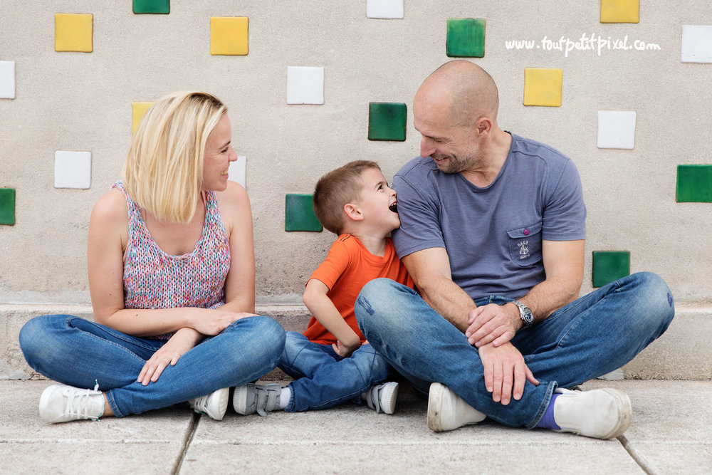 photo-enfant-en-famille.jpg