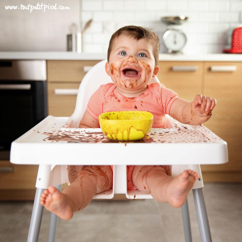 Photographie bébé lifestyle chocolat