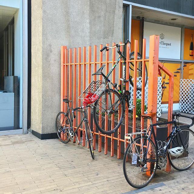 Impromptu bike rack. 🚲 #antisocialla #losangeles #dtla #bikelife