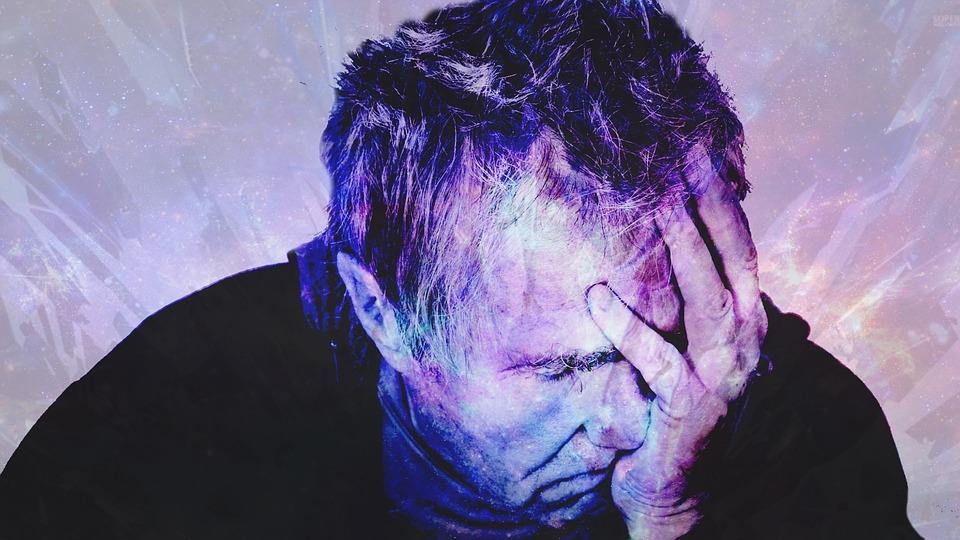 https://pixabay.com/en/photos/headache/