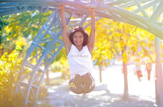 What brings you joy?  Aside from spending quality time with my kids, I also love to connect with other moms, you know, just us girls hanging out! ☕️🧘🏽‍♀️💕🙌🏽💫. Mama - come practice yoga with me this week. Dm me for details 📨 ! 📸 @dtufino_photo  #hangingout #autumn #yellow #foliage #core
