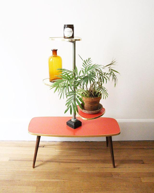 New. Présentoir en Formica / porte plantes années 50 #vintage #brocante #porteplantes #formica #annee50 #mobilier #maison #home #petits espaces #espaces