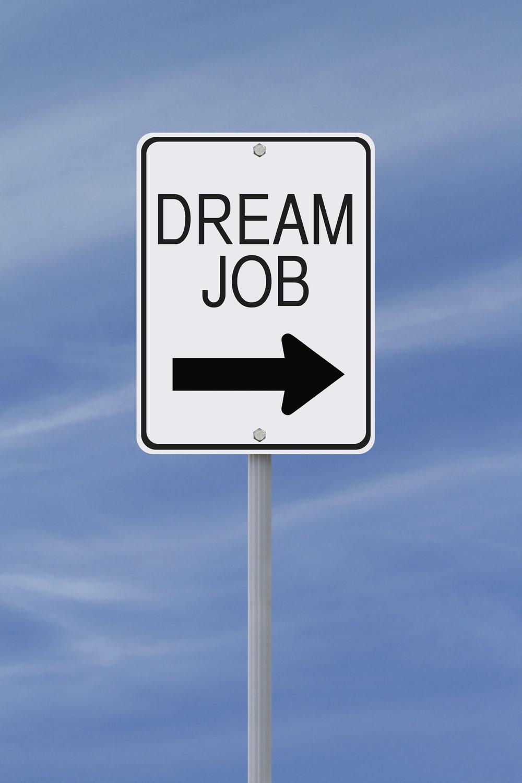 Feb-19-Tweet-to-Dream-Job.jpg