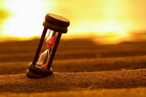 Hourglass-Resize.jpg