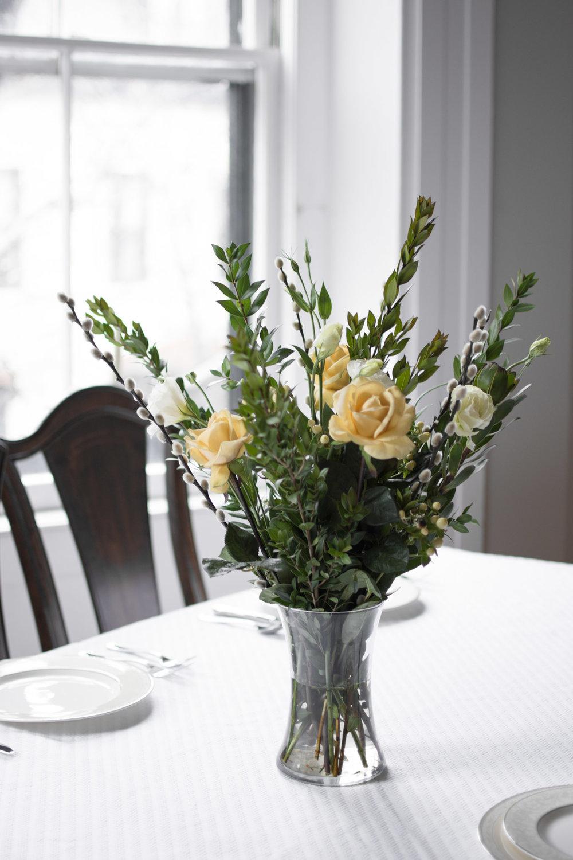 spring_roses_floral_arrangement