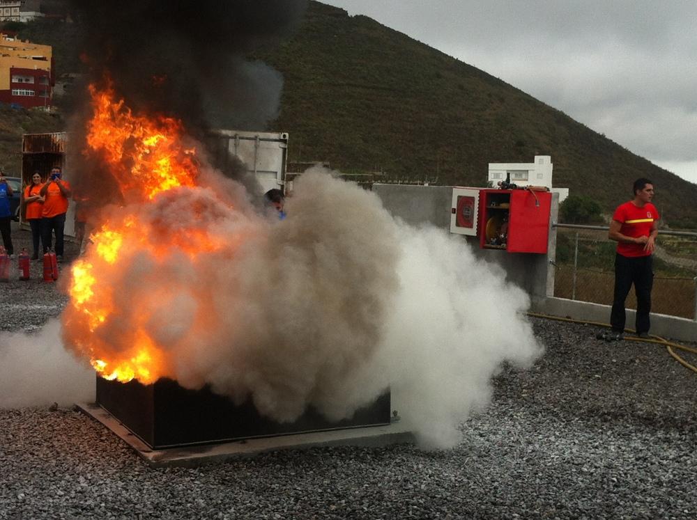 Exintción de Fuego de Combustible con derrame