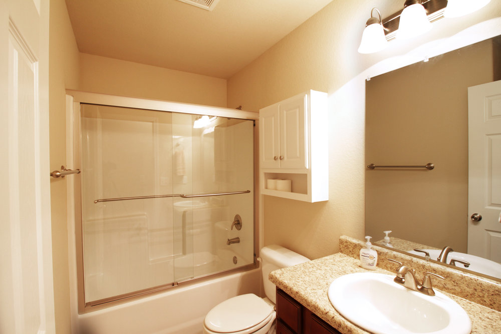 3050 Hook Lane Bathroom.jpg