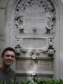 David Conte at the grave of Nadia Boulanger Montmartres cemetery, 2007