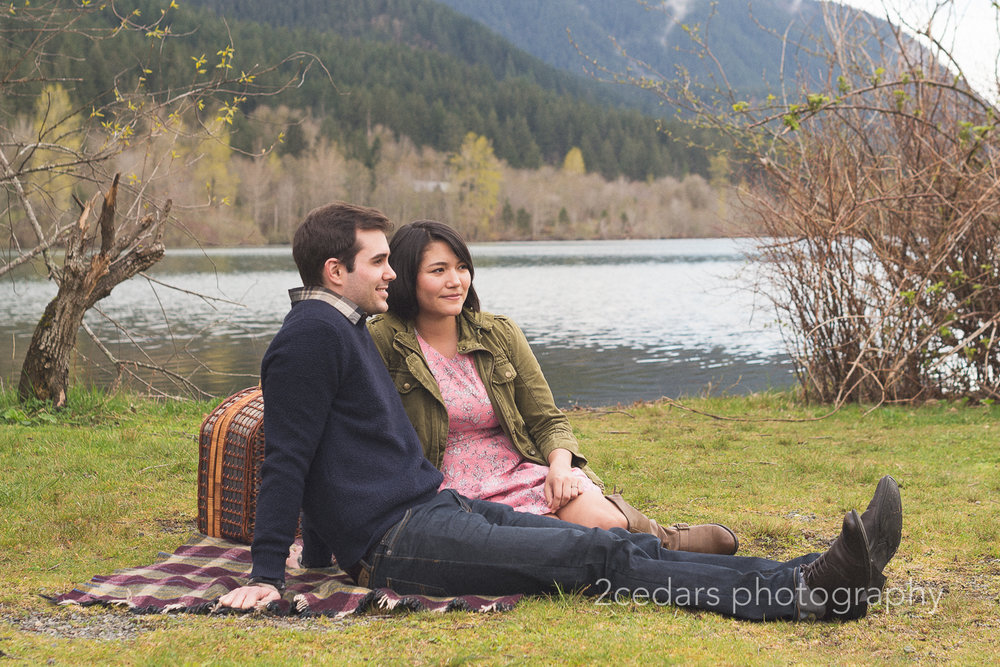 Rattlesnake Lake Picnic Couple