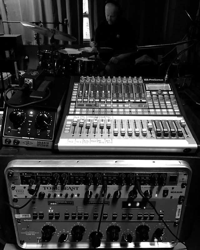Cabin Fever #kingeric #eric #cabin #cabinlife #recordingonthego #makeshiftstudio #recordingstudioinnj