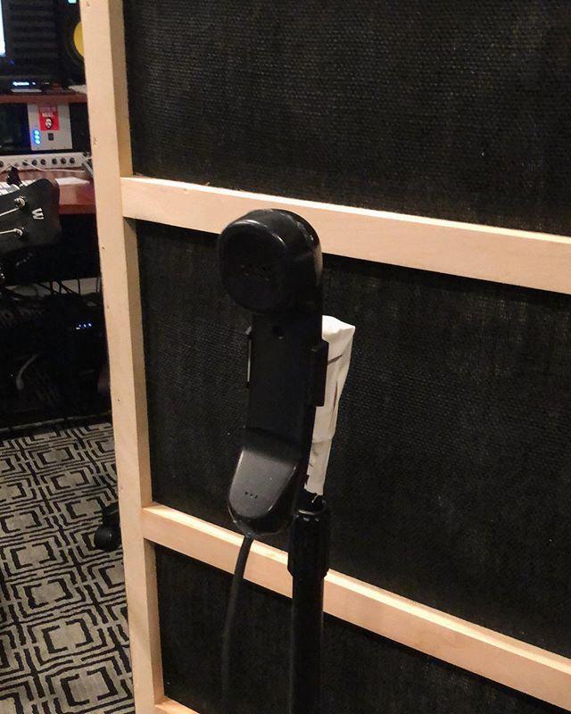 Telephone microphone / GOBO's thanks to @steve_koz #soundcloud #musicvideo #magical #ashsoan #ashsoandrumhub #ashsoanstyle #jerry #sethishere #lilpeep #xlr #telephonemic #gobo #gobo