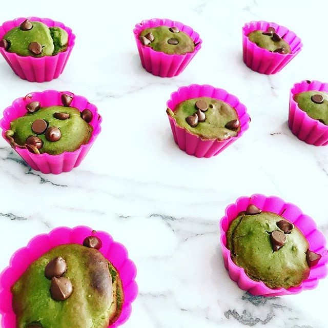 Happy Saint Patrick's Day. Looking for a non green beer way to celebrate try out these green smoothie muffins. ☘️ Swipe left to see the recipe @thatcleanlife #muffins #saintpatricksday #greensmoothie