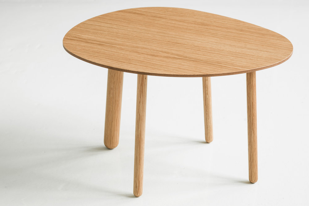 Morris coffee table model 1 in oak