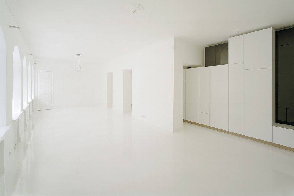 White Solaris cabinets by Habitek
