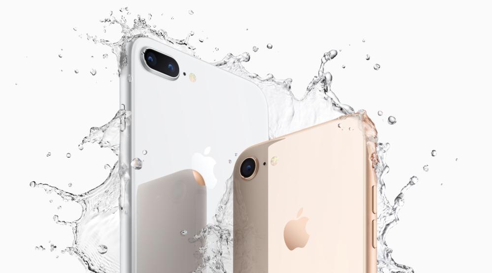iPhone 8 Plus (Left), iPhone 8 (Right)
