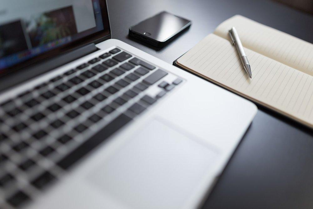blogging_computer_freelance_iphone_keyboard_macbook_notebook_notepad-987538.jpg!d.jpg