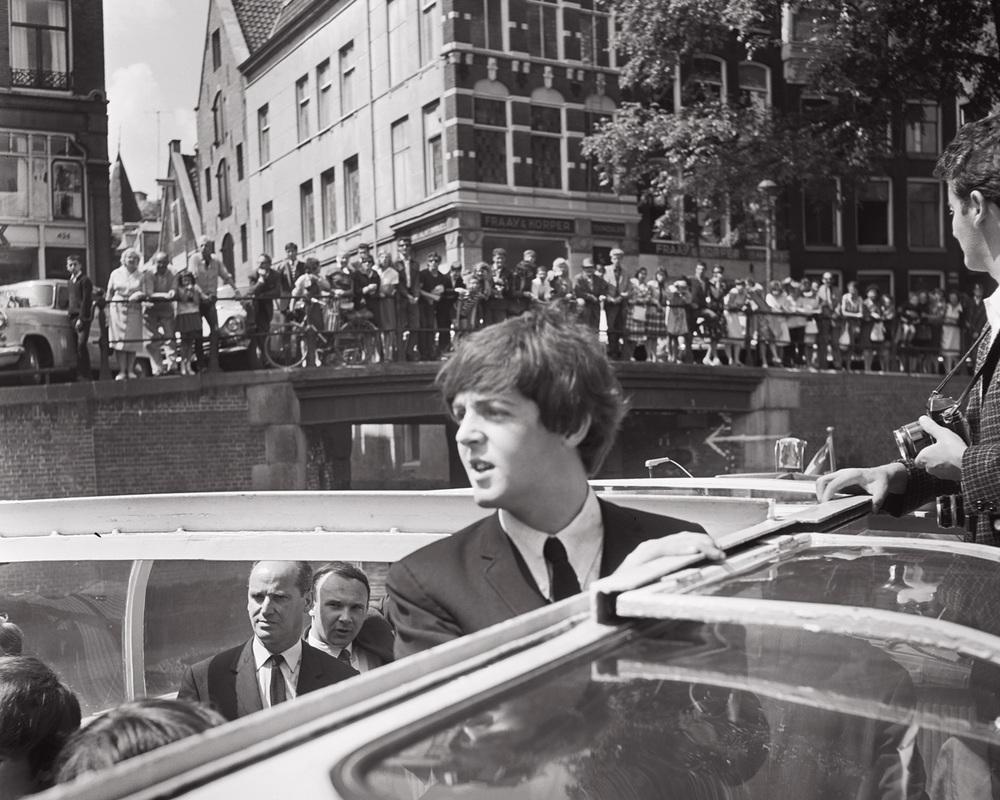 M16_SA_Beatles-1964.jpg