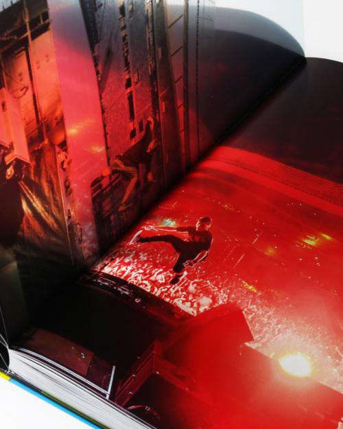 01mendo-book-life-is-crazy-studio-06-500x625-c-default.jpg