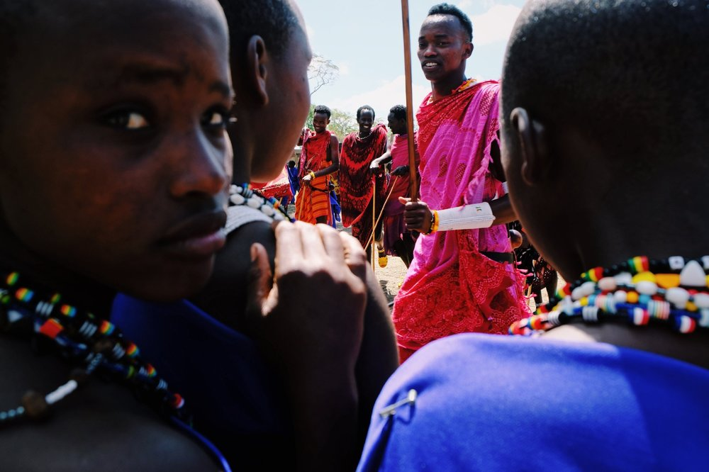Morans+and+masai+girls+in+Kilindi+Tanzania.jpg