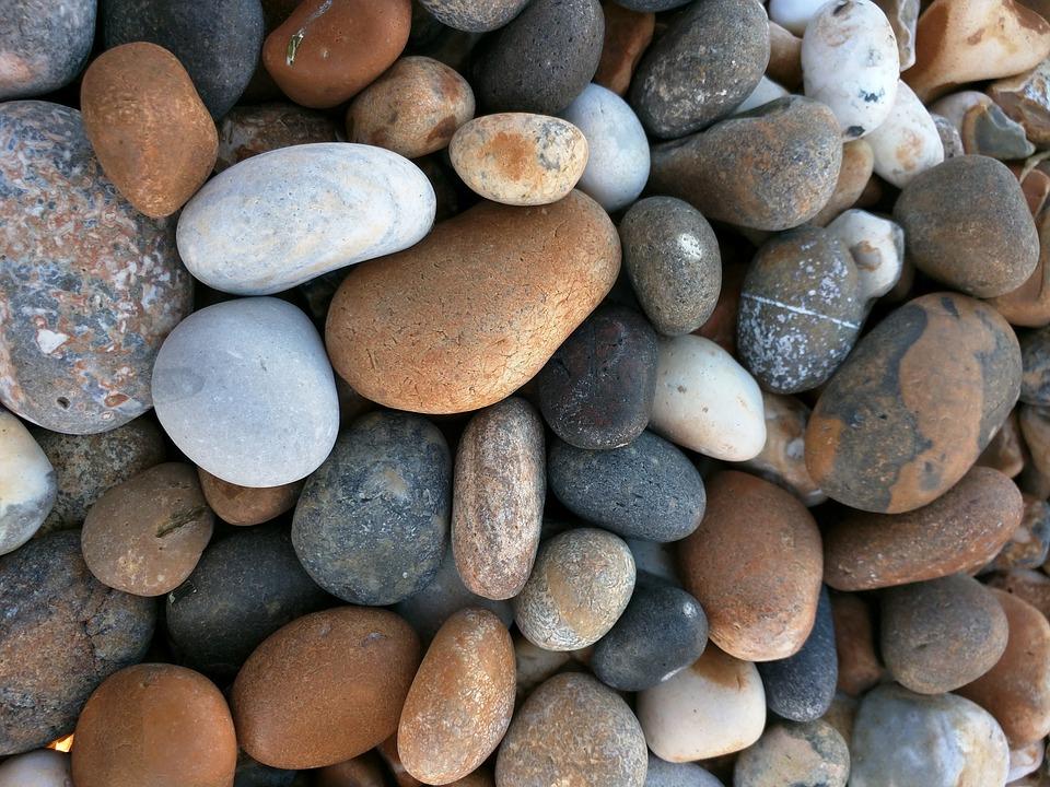 pebbles-1800304_960_720.jpg