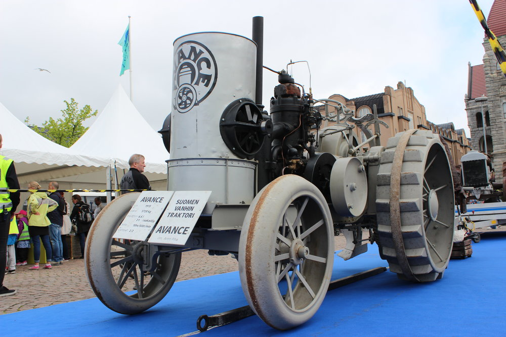 Suomen vanhin traktori on jopa vanhempi kuin satavuotiaat Suomi ja MTK ry