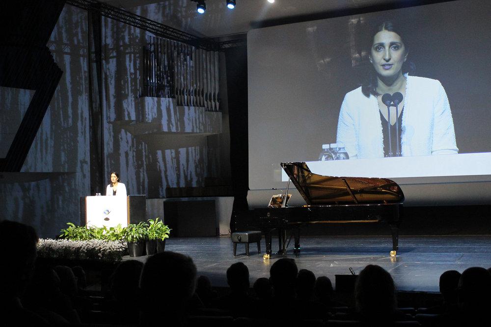 Nasima Razmyar kertoi kuulijoille Helsingin lähiruokabuumista