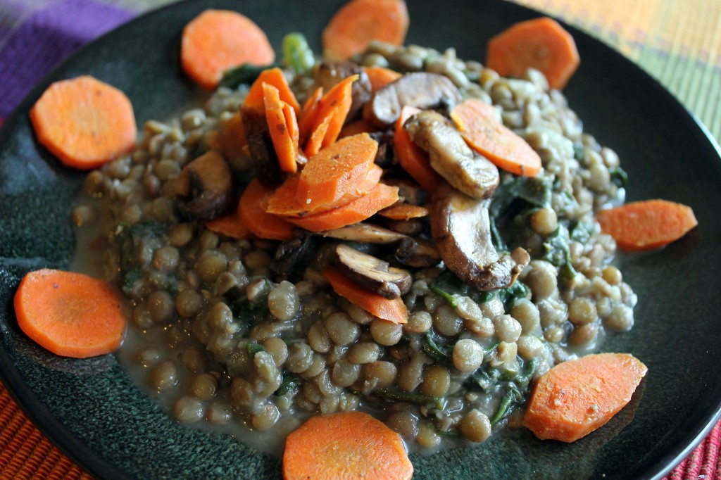 Lentils with spinach, mushrooms and carrots