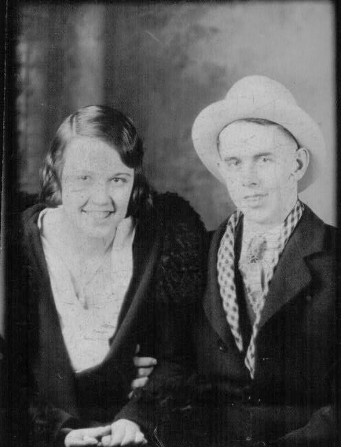 Victor and Violet Wedding Day   10-27-1932