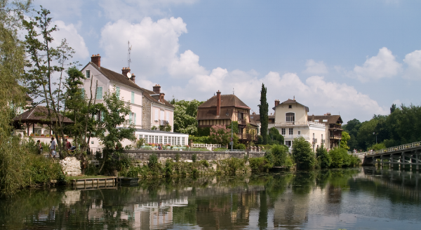 The bucolic village of Samois sur Seine - it really is this beautiful.