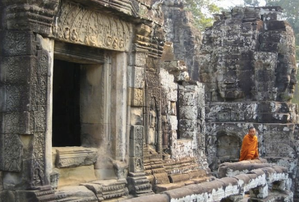 The glimpses of serene, orange clad monks within the temple walls was magical.
