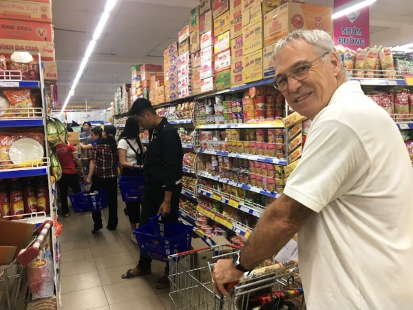 This was a crazy, crowded grocery store with K-pop music blaring over the loud speakers. It made you shop faster! Here's Michael on a mission to find cereal. Not always easy.