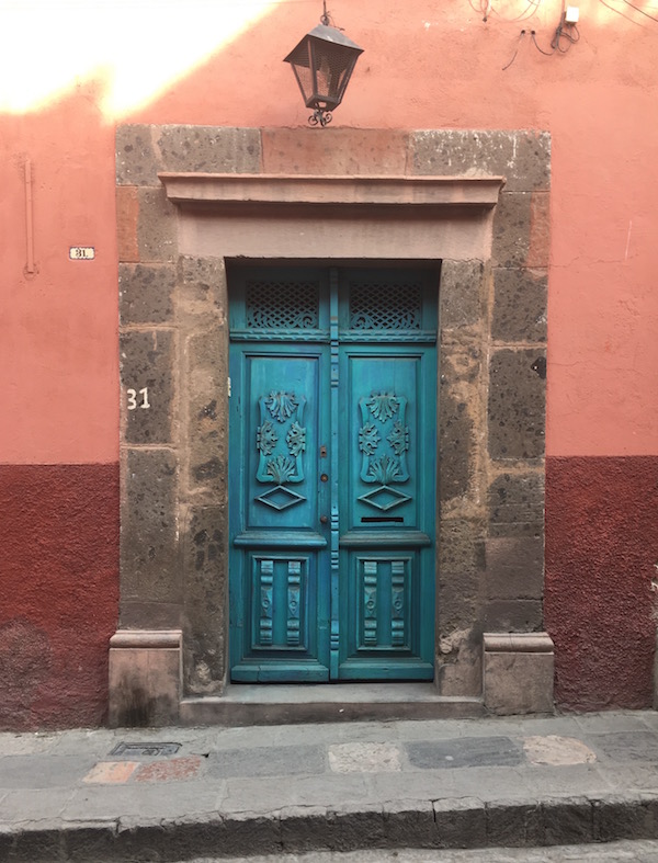 I must have a hundred pictures of San Miguel doors!