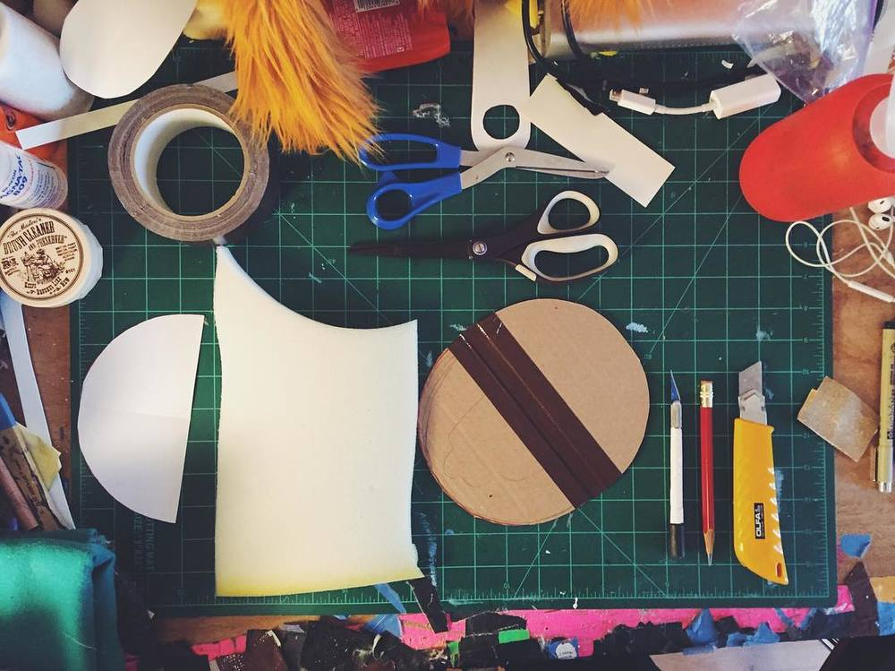 When your partner (@casscakey) has to up early, get up too. You get extra time to make #puppets.  http://ift.tt/1YpdEcj
