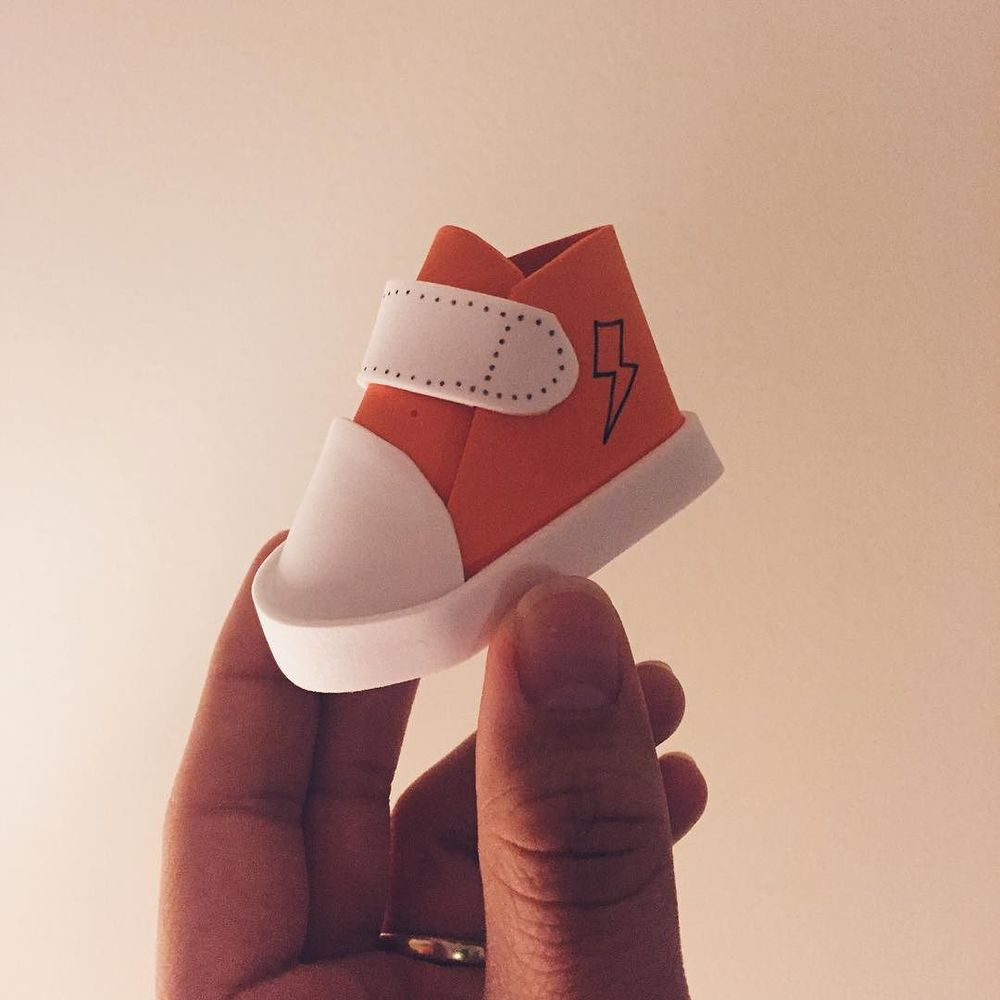 Tiny kicks are teeny. #puppet  http://ift.tt/1M96K3a