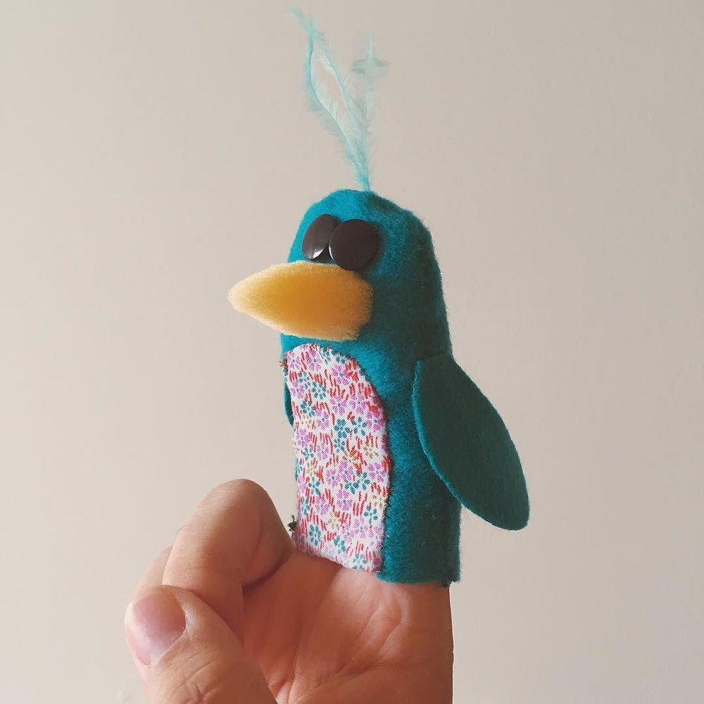Oh love bird. #bizztrick #puppet http://ift.tt/1OIoDv6