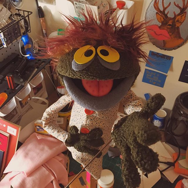 He's looking up to catch some aliens! #puppet  http://ift.tt/1JYF5ap