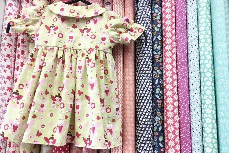 sewing+little+girls+dress.jpg