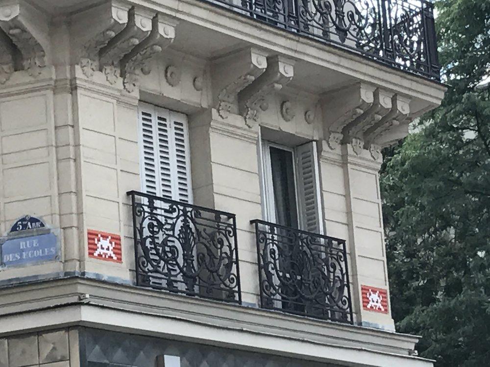 Dr Bookworm Space Invaders Mosaics Paris 2.JPG