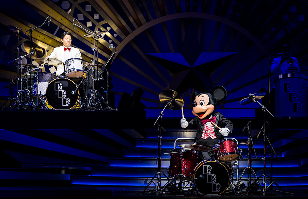 Mickey Mouse on drums. Photo by   Tom Bricker   at   Disney Tourist Blog.