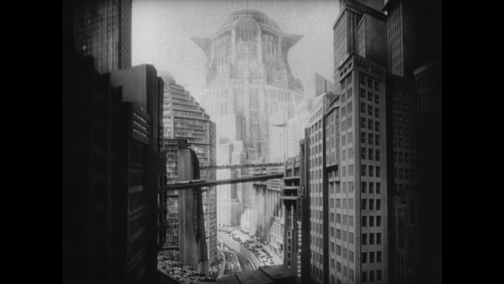 Screencap from  Metropolis  (1927).