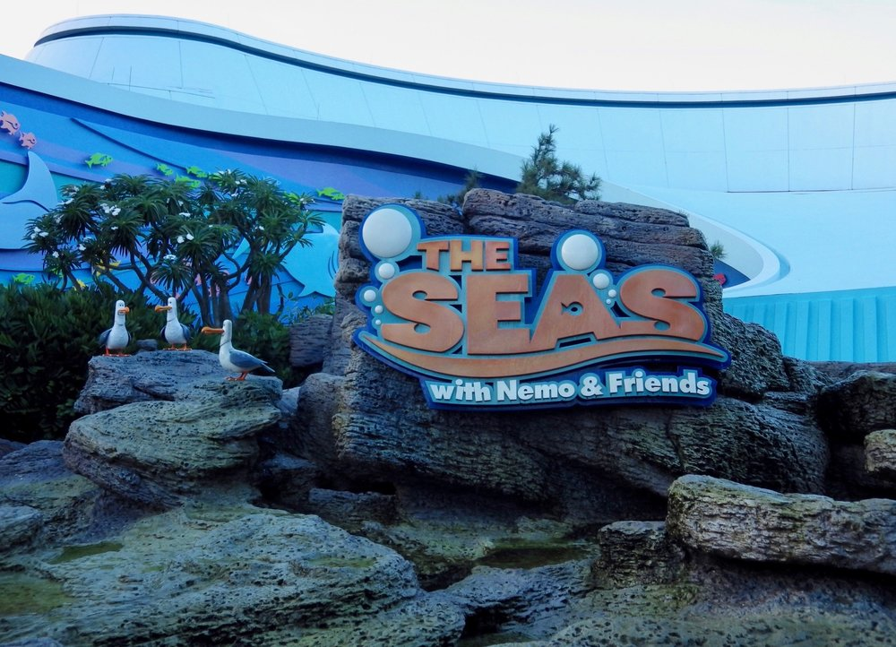 The-Seas-with-Nemo-and-Friends-002-13x18.jpg