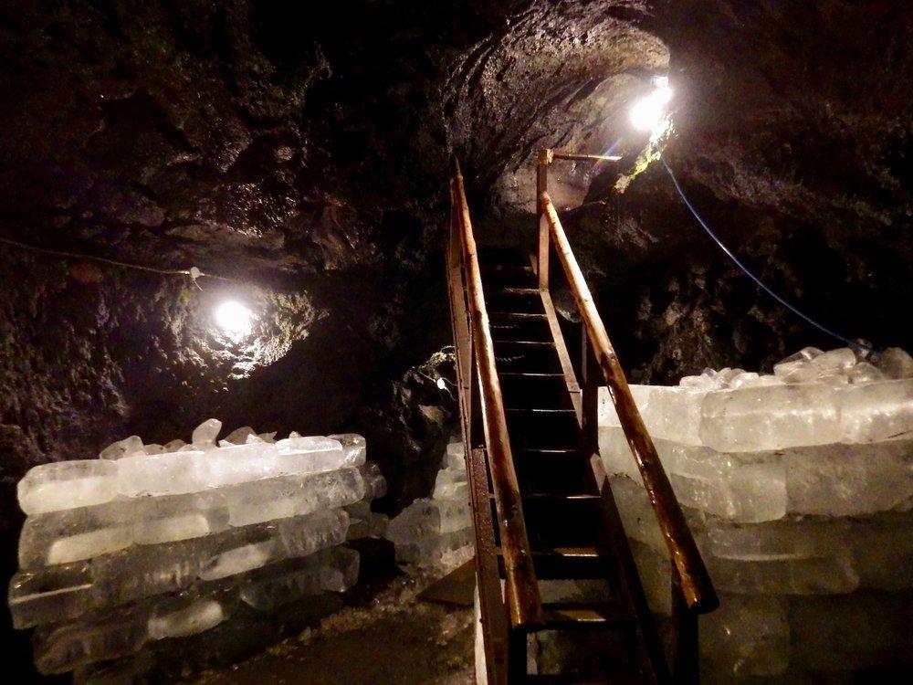 Narusawa-Ice-Cave.jpg
