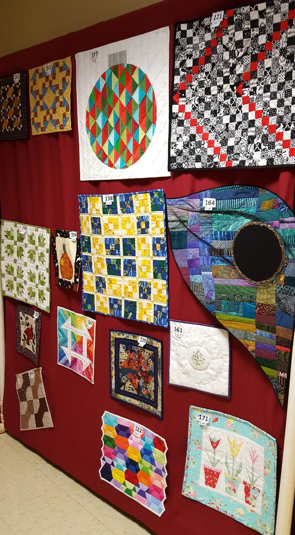 small quilts at quilt show2.jpg